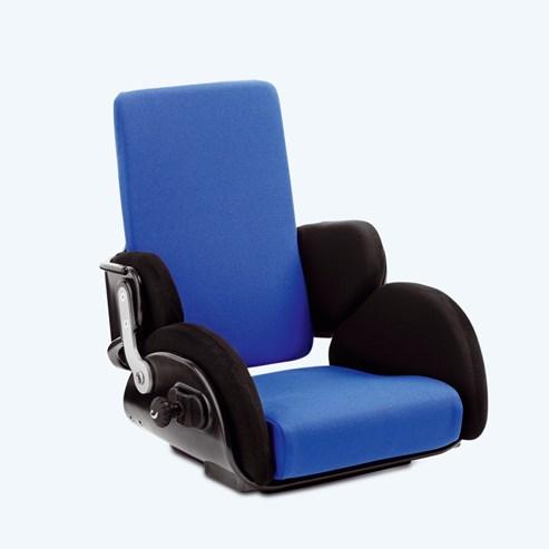 Active, dodává se ve čtyřech velikostech, k dispozici ve 4 barvách